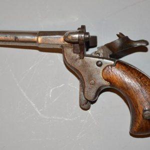 """Petit pistolet dit """"DE CYCLISTE"""" calibre 5,5 à percussion annulaire"""
