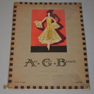 Art, goût, beauté : feuillets de l'élégance féminine Paris (Août 1928)