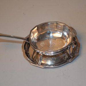Passoire à thé avec égouttoir en argent 950 - Tétard (frères)
