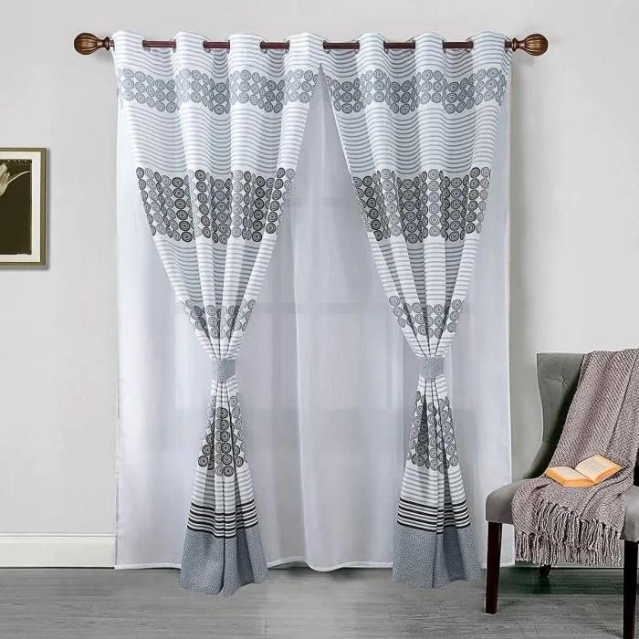 voilage et paire de rideaux avec