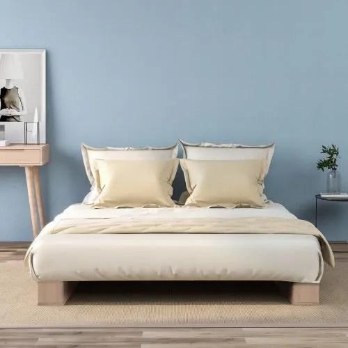 lit simple avec sommier a lattes en