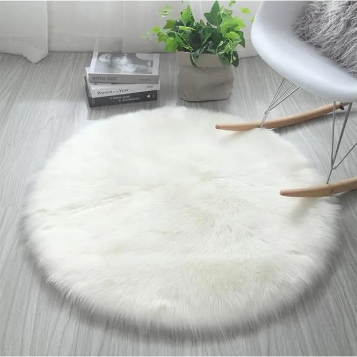 tapis de salon ou chambre peau de mouton synthet