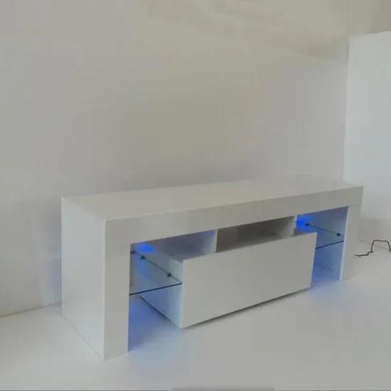 meuble tv blanc de le salon de la maison simple nordique moderne