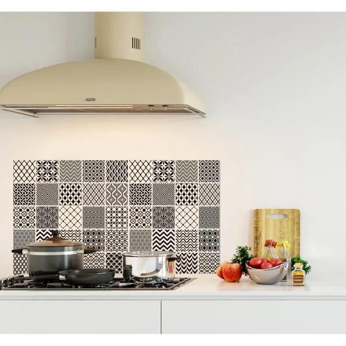 credence de cuisine adhesive en panneau composite aluminium carreaux de ciment style geometrique l 90 x h 50 cm