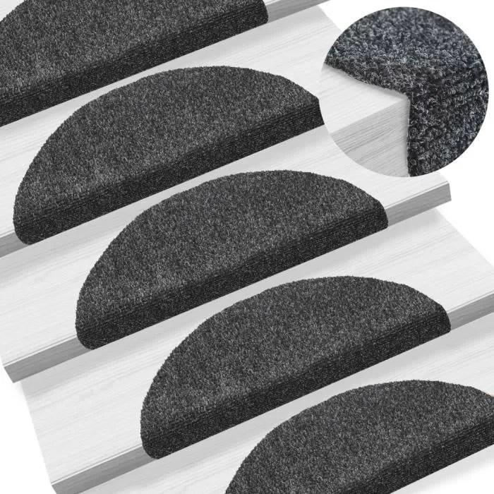 tapis marche escalier bois
