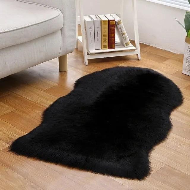 1pcs tapis de fourrure noir faux peau de mouto