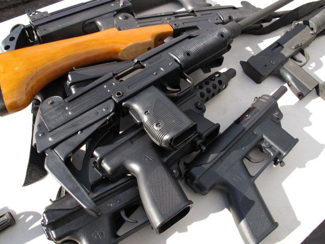 ilegalno-oruzje1.jpg