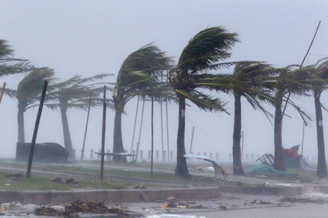 1982536-2017-09-15t044012z_1397104027_rc1b32f4d400_rtrmadp_3_asia-storm-vietnam.jpg