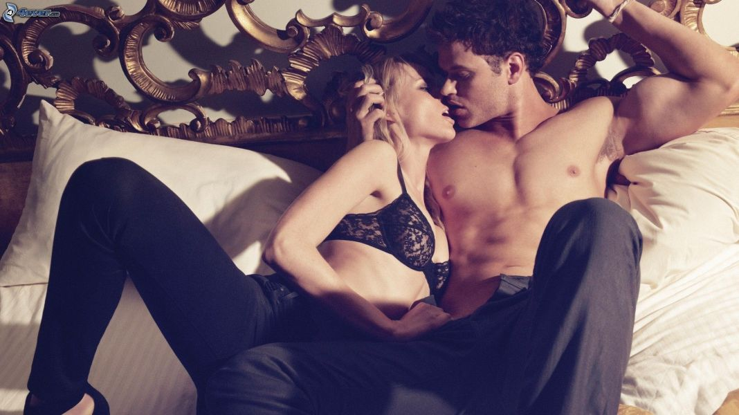 couple-in-bed-163098.jpg