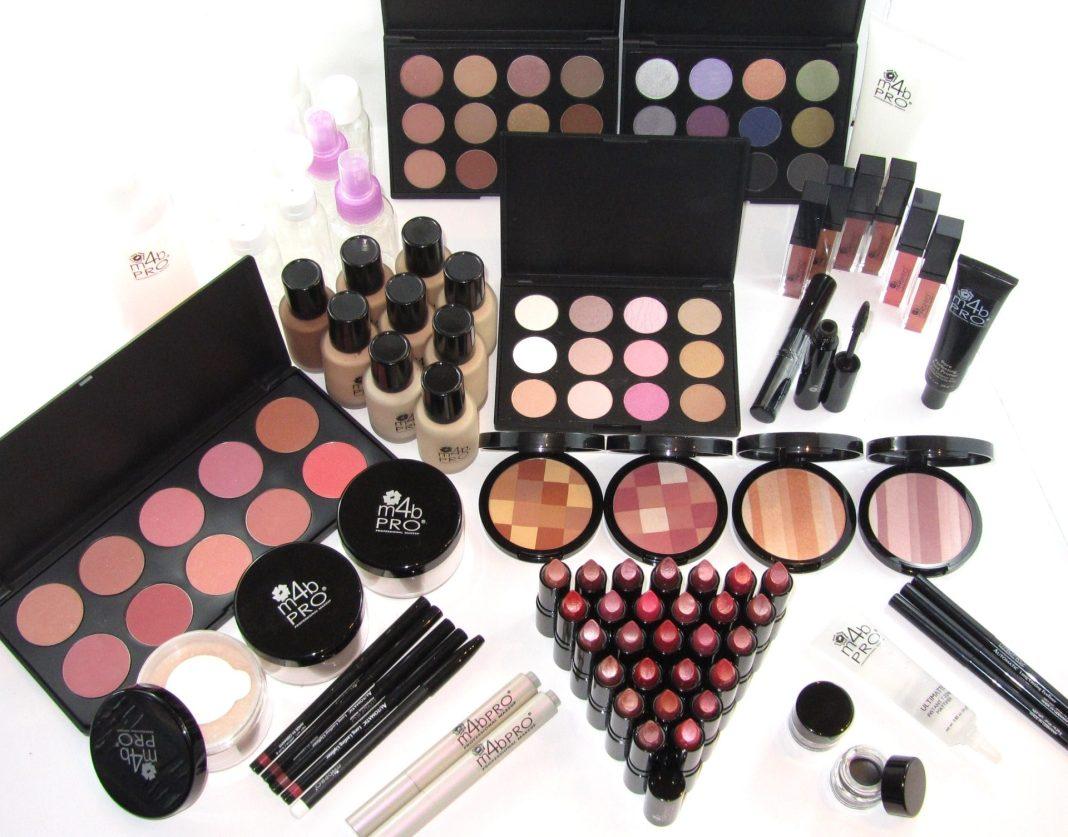 636211401959692800-1015493_A-makeup.jpg