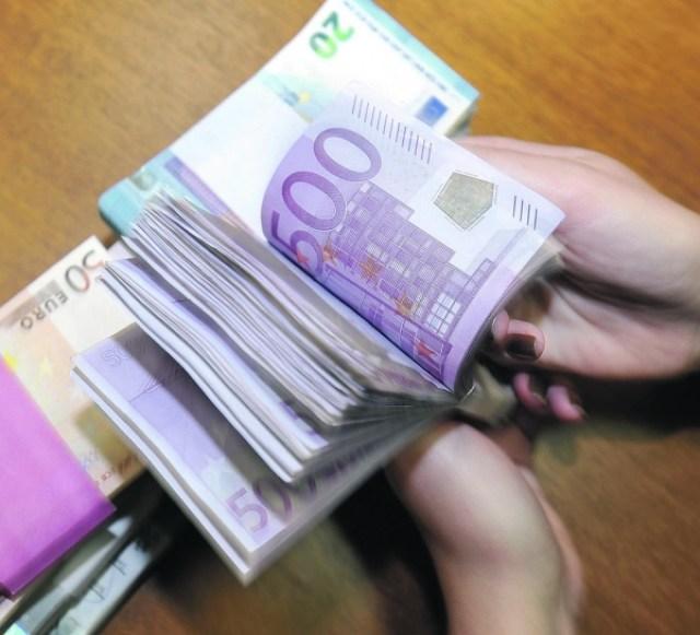Banke-prvo-tromjesecje-zavrsile-s-cak-70-posto-manjom-dobiti-nego-lani.jpg