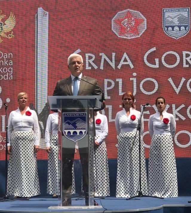2019-07-13-Dusko-Markovic-Centralna-proslava-Dana-drzavnosti-i-Dana-ustanka-04.jpg (957×1065)