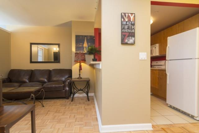 New York Apartments Two bedroom Midtown Luxurious rental with modern furniture