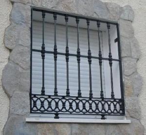Reja con hierro fundido cerrajer a met lica madrid - Rejas de forja antiguas ...