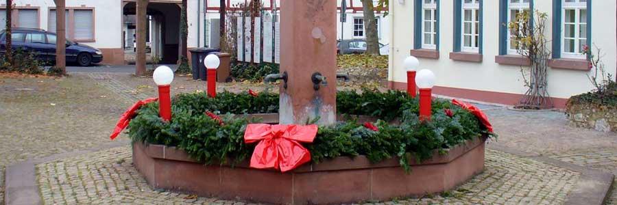 wieder Adventskranz am Tor zum Rheingau