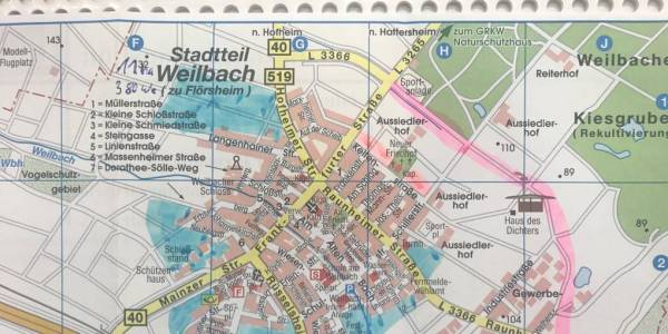 Es sind nur Skizzen, die bei den Treffen der interfraktionellen Arbeitsgruppe entstanden sind. Sie zeigen in Blau aber mögliche neue Baugebiete in Wicker und Weilbach und dienen in den Ausschüssen als Diskussionsgrundlage für die Stadtentwicklung.