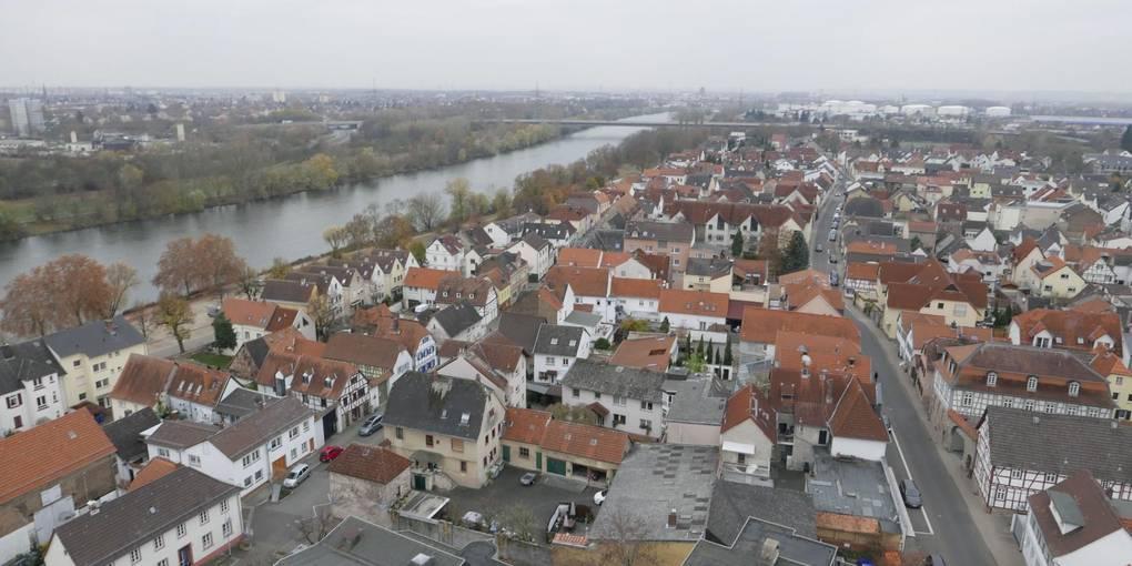 Wo ist die Grenze des Wachstums? Für die Stadt Flörsheim hat die CDU diese Frage mit der Zahl von maximal 25 000 Einwohner bis zum Jahr 2050 beantwortet. Foto: Jens Etzelsberger
