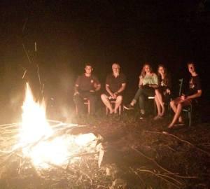 Campamento fogón jóvenes