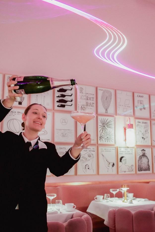 champagne pour sketch london