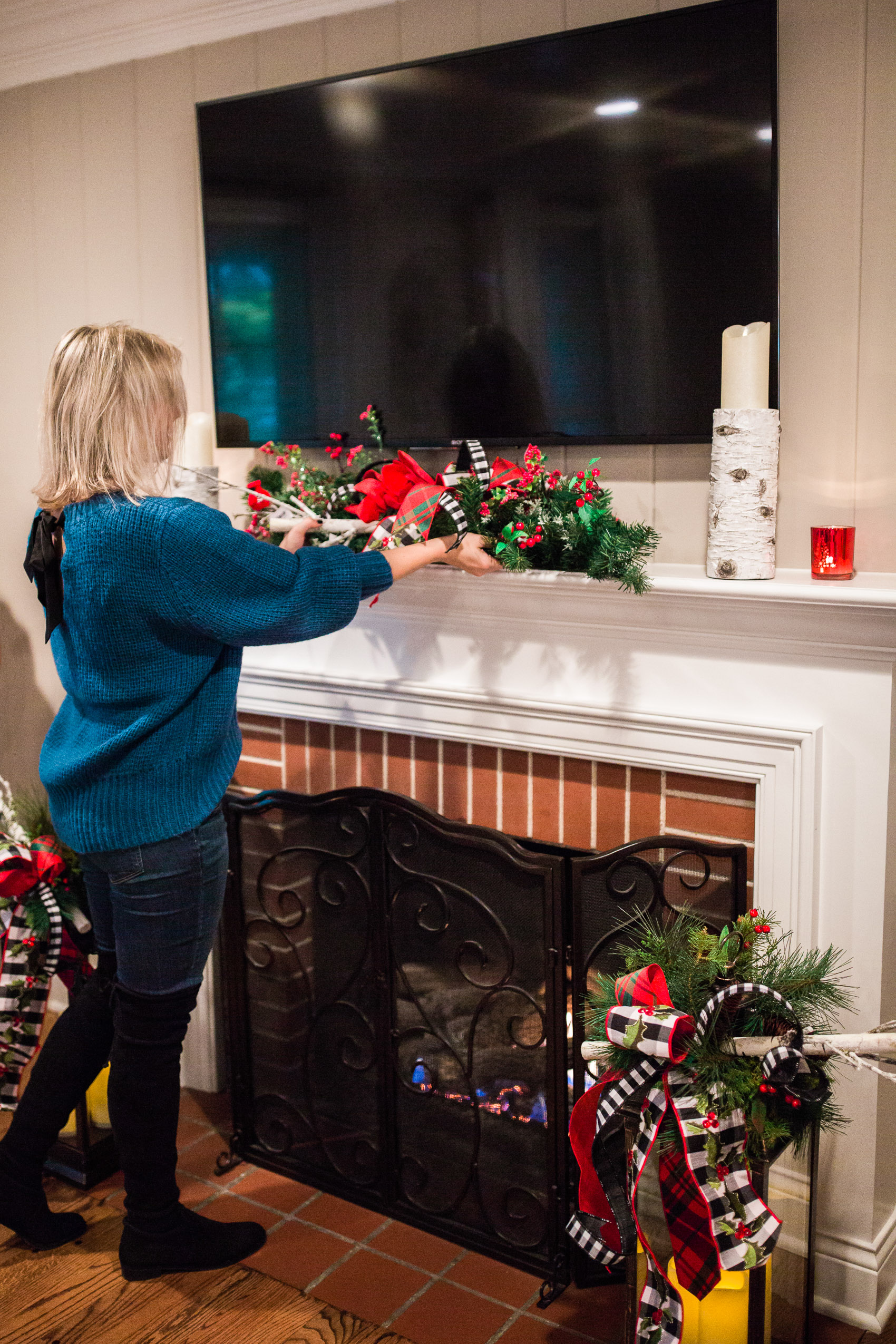 how to decorate holiday mantel with tv (1 of 2),2