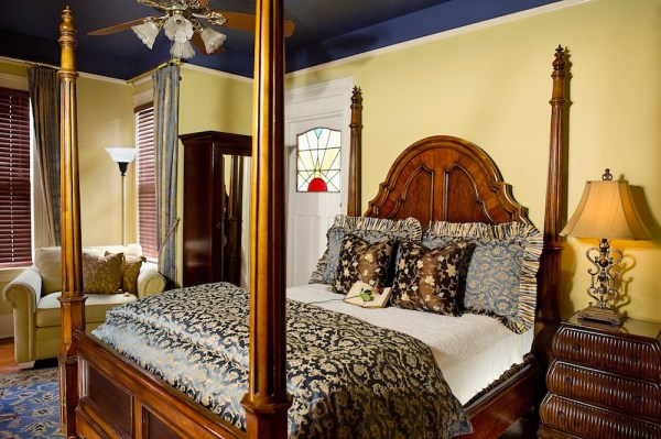 Cedar House Inn - Biscayne Room