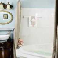 Cedar House Inn - Sanibel Bath