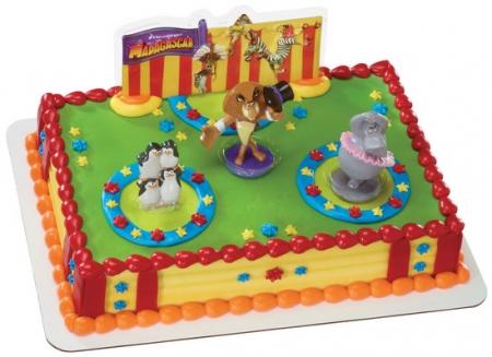 Madagascar 3 cake design