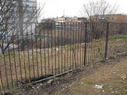 Picture 6: Refurbishment and reuse of existing fencing