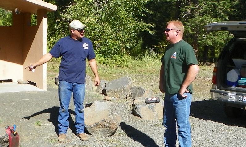 Photos: National Public Lands Day Volunteer Work in Yakima County 19