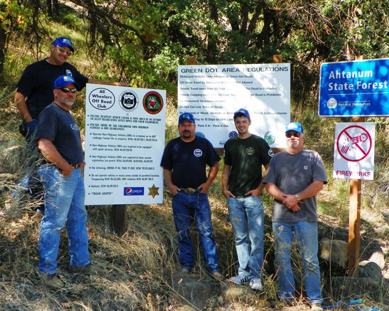 Photos: National Public Lands Day Volunteer Work in Yakima County 28
