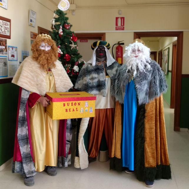 Los Reyes Magos visitan el CEIP Concordia