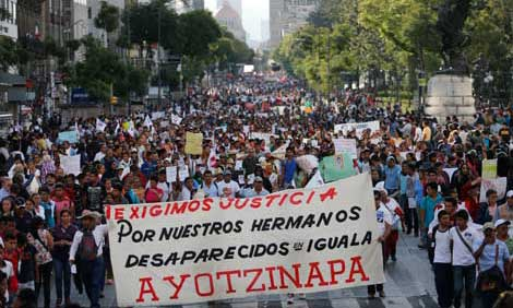 Ayotzinapa, crisis política y descrédito institucional  (por Arantxa Tirado)