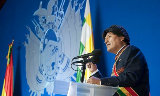 Bolivia: 191 años de independencia y medalla de oro en economía.