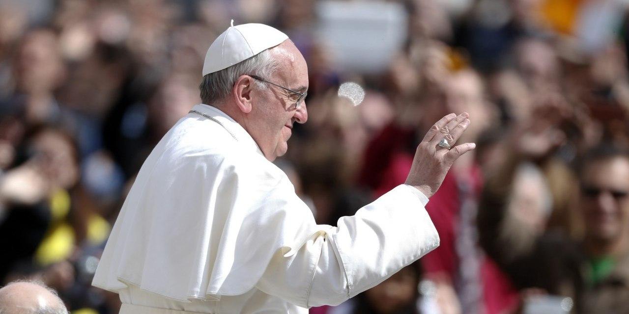 Por quién votaría el Papa en Ecuador?