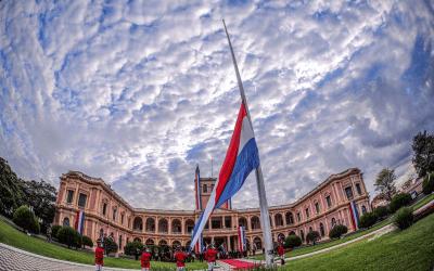 "Paraguay: se agota el tiempo del ""abrazo republicano"""