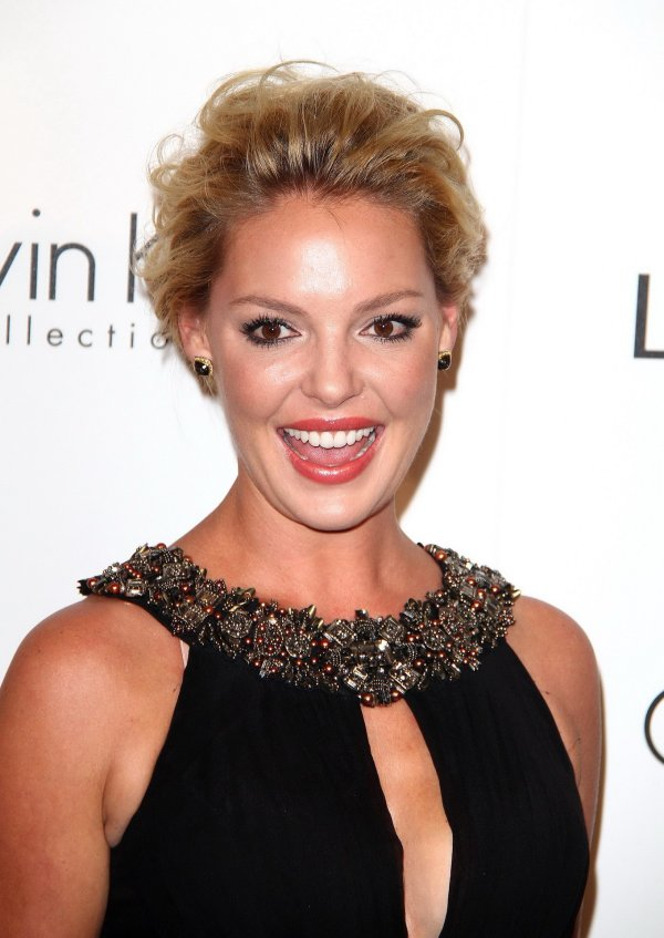 Katherine Heigl Showing Huge Cleavage 18th Annual Elle Women In Hollywood Celebration