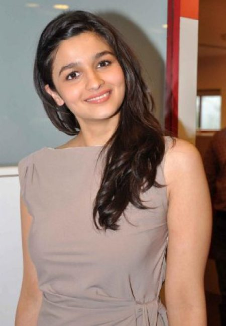 Alia Bhatt Measurements, Height, Weight, Bra Size, Age, Wiki