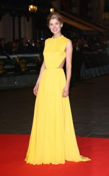 Rosamund Pike Measurements, Height, Weight, Bra Size, Age, Wiki