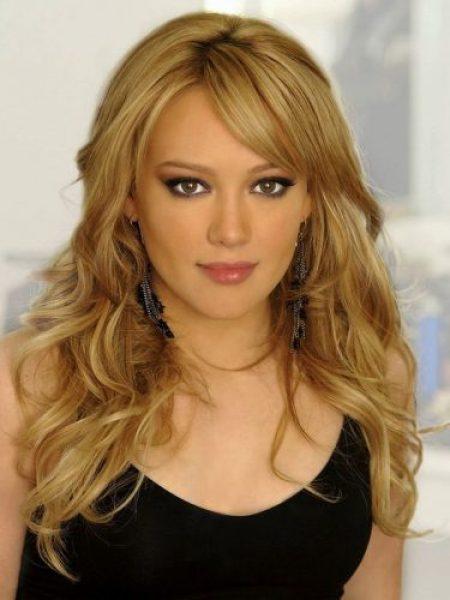 Hilary Duff Measurements, Height, Weight, Bra Size, Age, Wiki
