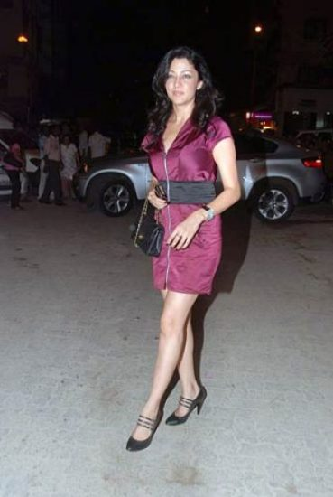 Aditi Govitrikar height and weight 2014