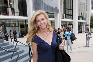 Debbie Dickinson height and weight 2014