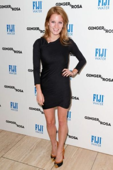 Ashley Hinshaw height and weight 2014