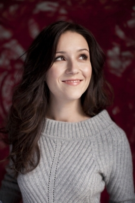 Shannon Woodward Measurements, Height, Weight, Bra Size, Age, Wiki