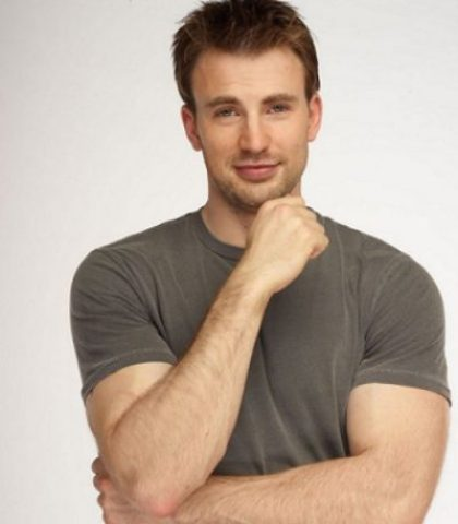Chris Evans Chest Biceps size