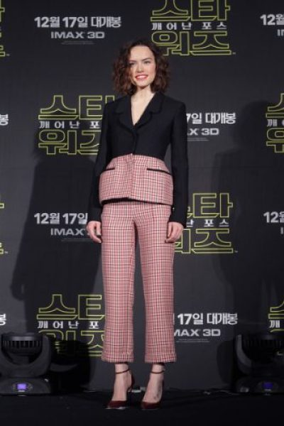 Daisy Ridley Bra Size, Wiki, Hot Images