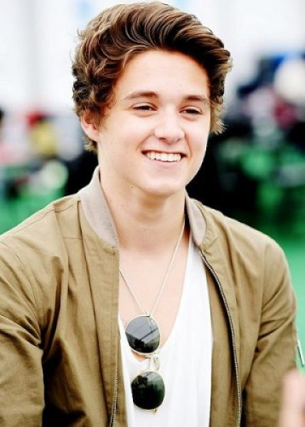 Brad Simpson girlfriend age biography