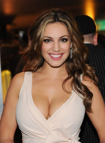 Kelly Brook Bra Size, Wiki, Hot Images