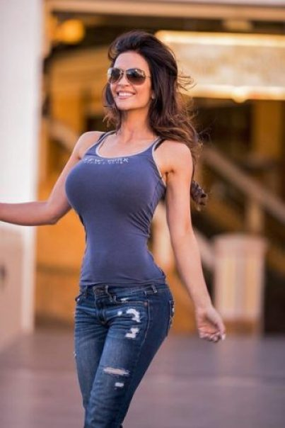 Denise Milani Measurements, Height, Weight, Bra Size, Age, Wiki