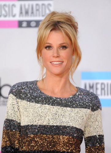 Julie Bowen Measurements Height Weight Bra Size Age Affairs