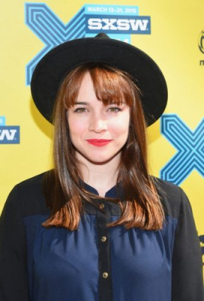 Renée Felice Smith Boyfriend, Age, Biography